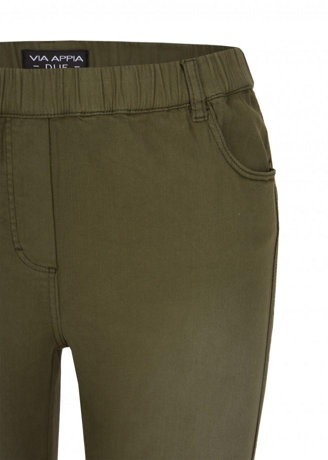 Angesagte Jeans mit seitlichen Streifen /
