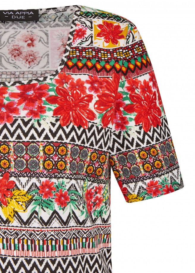 Sommerliches Shirt im Ethno-Stil /