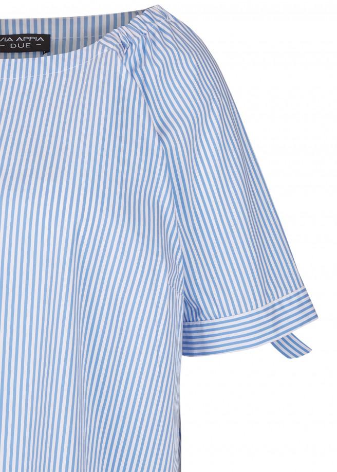Luftige Bluse im Carmen-Stil /