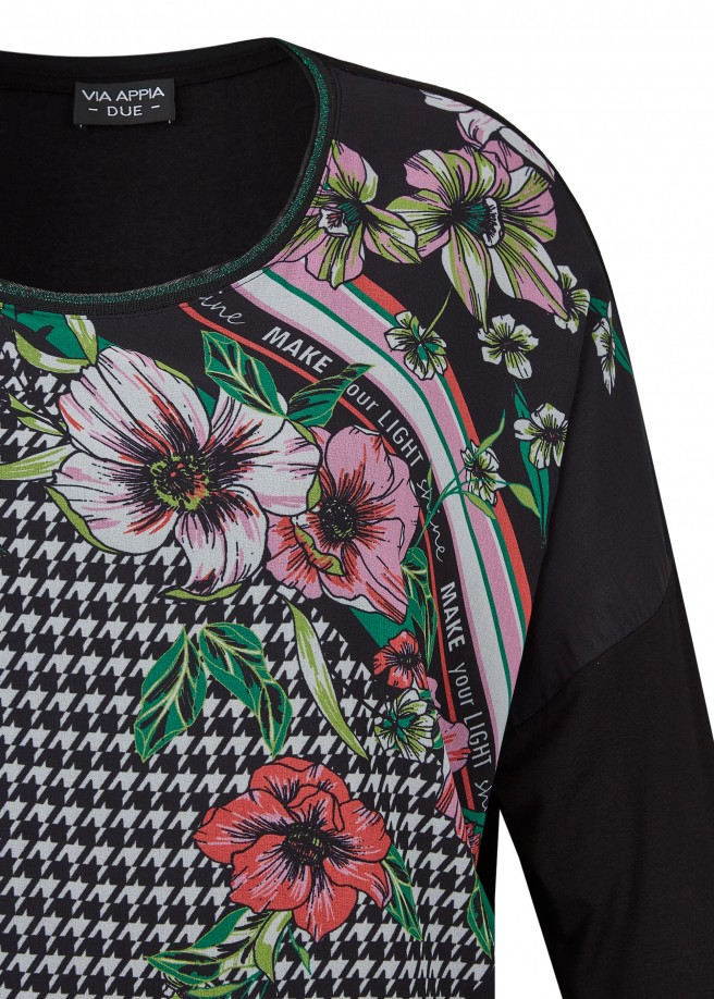 Romantische Bluse mit Front-Motiv /